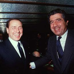 Silvio Berlusconi e Carlo De Benedetti in una foto degli anni '90