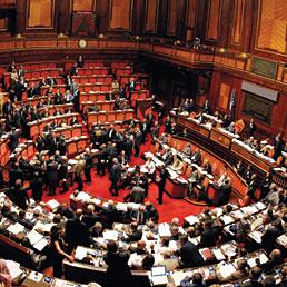 Camera e senato costano ancora 1 5 miliardi l 39 anno dal for Camera del senato e dei deputati