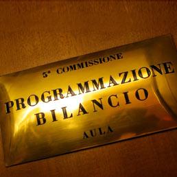 Il milleproroghe torna nelle commissioni in bilico l for Commissione bilancio camera dei deputati