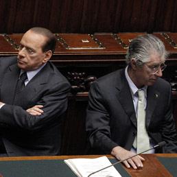 Milleproroghe, oggi il voto di fiducia. Berlusconi in aula, assente al processo Mills