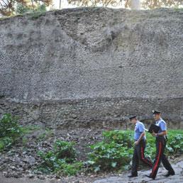 Pompei, crolla un muro romano (Ansa)