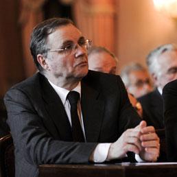 Ignazio Visco (a sinistra) succede a Mario Draghi alla guida di Bankitalia (Imagoeconomica)