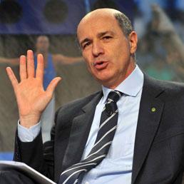 Il ministro delle Attività produttive, infrastrutture e trasporti Corrado Passera