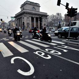 Il Consiglio di Stato boccia l'Area C di Milano. Da venerdì il Comune sospenderà il pedaggio