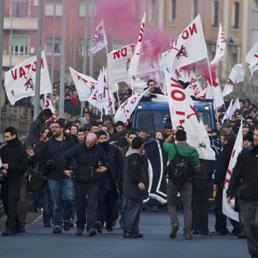 No Tav, bloccata la A32 Torino-Bardonecchia. Invasa la tangenziale a Roma