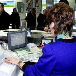 Bancari, Abi verso la disdetta unilaterale del contratto. Sindacati convocati il 16 settembre - Dall'ultimo accordo aumenti per 170 euro