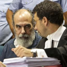 L'imputato Gianfranco Lande con il suo avvocato Salvatore Sciullo - Ansa
