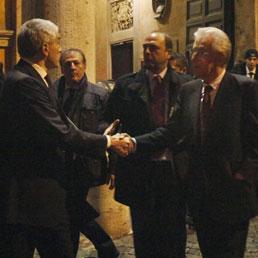 L'uscita da Palazzo Giustiniani dopo il vertice sul lavoro tra governo e leader di maggioranza (ANSA/ALESSANDRO DI MEO)