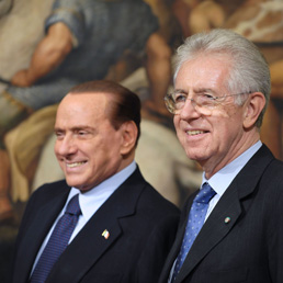 Silvio Berlusconi con il premier Mario Monti (Emblema)