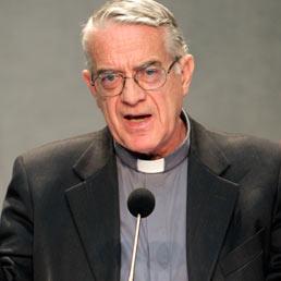 Il portavoce vaticano, padre Federico Lombardi. (LaPresse)
