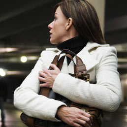 Marcia indietro sullo stalking: torna la custodia cautelare
