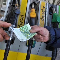 Fisco, gettito carburanti: calo di un miliardo nel 2013