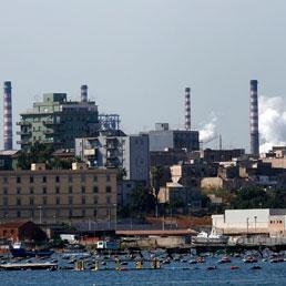 Taranto, inquinamento e burocrazia «affondano» anche le cozze