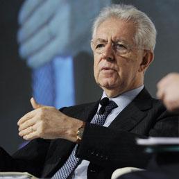 Il premier Monti al 'Ft Italy Summit' di Milano (Ansa)