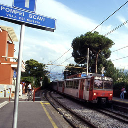 Circumvesuviana ferroviaria (Olycom)