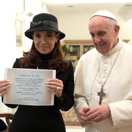Papa Francesco riceve in forma privata la presidente dell'Argentina, Cristina Kirchner (Ansa)