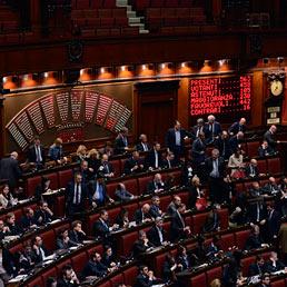 I deputati di Grillo occupano la sala del Mappamondo a Montecitorio (Imagoeconomica)