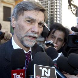 Il presidente dell'Anci Graziano Delrio a margine dell'incontro col Governo a Palazzo Chigi. (Ansa)