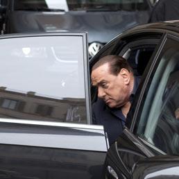 Berlusconi non mollo i parlamentari pdl se l 39 ex premier for Parlamentari pdl