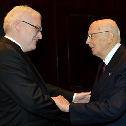 Il presidente della Repubblica Giorgio Napolitano con il presidente della Repubblica di Croazia Ivo Josipovic (Ansa)