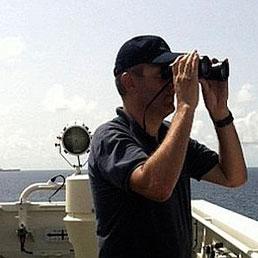 Mercantili italiani, via libera alle guardie private. Ma solo se i maro' non bastano