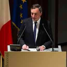 Draghi: Italia paese più avvantaggiato dall'euro. Visco: evasione anomalia che spiega difficoltà economia