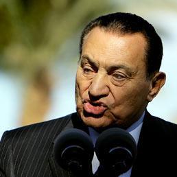 Egitto, Mubarak agli arresti domicialiari in Egitto (Afp)