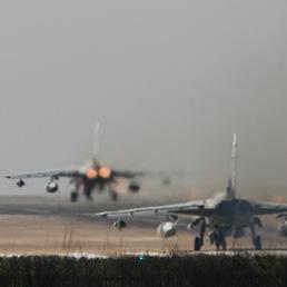 Berlusconi a Obama: sì ad azioni aeree mirate sulla Libia. Malumori nella Lega (Ap Photo)