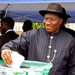 Nigeria alla prova delle presidenziali. Jonathan avanti nello spoglio parziale dei voti