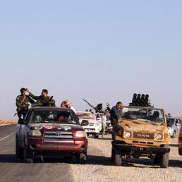 Ribelli libici si preparano a avanzare sulla città assediata di Bani Walid, Libia