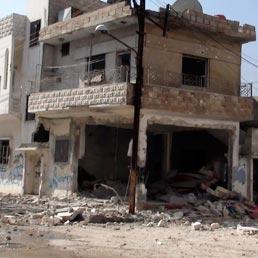 Siria, una casa distrutta a Homs (Reuters)
