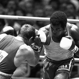 Addio a Teofilo Stevenson, il grande boxeur che disse no a 5 milioni di dollari per fedeltà a Castro (Ap)
