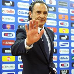 Prandelli: «L'Italia è un paese vecchio, con tante cose da cambiare. La Nazionale ha portato nuove idee» (Epa)