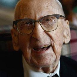 Morto a 114 anni l 39 uomo pi vecchio del mondo il sole 24 ore for Piani di casa del vecchio mondo