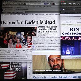 I commenti sul web: non è la fine del terrorismo. Nella foto le home page delle principali testate giornalistiche americane che danno la notizia della morte di Osama bin Laden (AFP Photo)