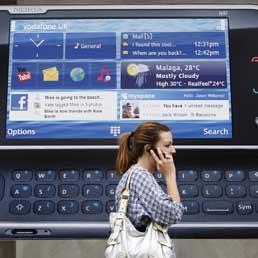 Da oggi calano le tariffe roaming in Europa - Le app per ridurre i costi