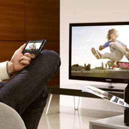 """Samsung punta sul fattore """"smart"""", i televisori fanno il pieno di apps"""