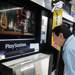 Attaccato il Playstation Network: violato il database, a rischio le carte di credito