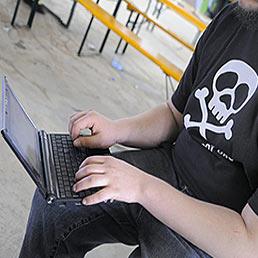 In frenata le nuove regole contro la pirateria online (Imagoeconomica)
