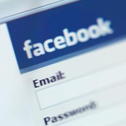 Facebook, accordo sulla gestione dei dati personali
