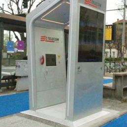 la cabina telefonica intelligente di telecom debutta a torino - il ... - Cabina Telefonica