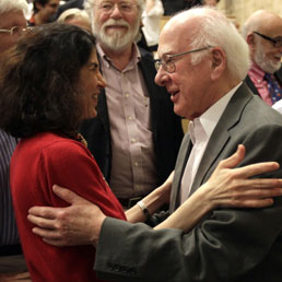 Fabiola Gianotti e Peter Higgs (Afp)