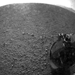 Curiosity già al lavoro sul suolo di Marte