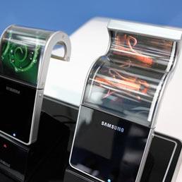Il display flessibile e indistruttibile, il futuro è alle porte