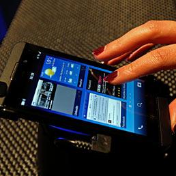 Nella foto lo smartphone Blackberry Z10 (AP Photo)