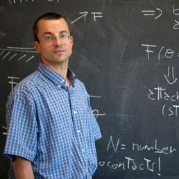 Nicola Pugno, ordinario di Scienza delle Costruzioni al Dipartimento di Ingegneria civile, ambientale e meccanica dell'Ateneo di Trento