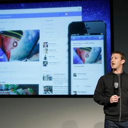 Mark Zuckerberg presentazione nuovo design Facebook