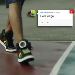 huge selection of e95a4 03d55 Google ora ci prova con le scarpe parlanti: la pubblicità ...