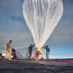 Ora internet arriva ovunque con i palloni aerostatici. Al via il progetto di Google - Video: come funziona