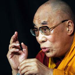 Il Dalai Lama: potrebbe succedermi una donna